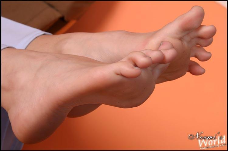 Женские ступни фото засветы - Эротические фото засветы
