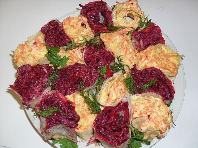Салат на праздничный 8 марта